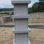 Vue sur un des quatre columbariums du cimetière